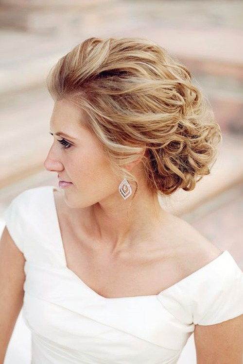 у нереду updo for beach wedding