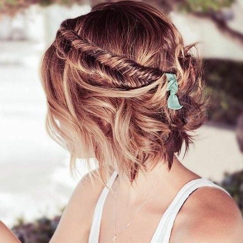 обиман hairstyle for beach wedding