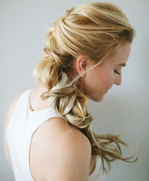 formálne updo with textured pony