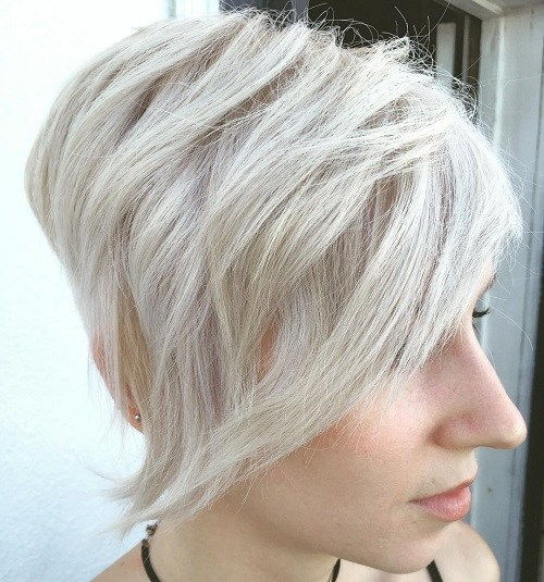 Kort Blonde Asymmetrical Hairstyle