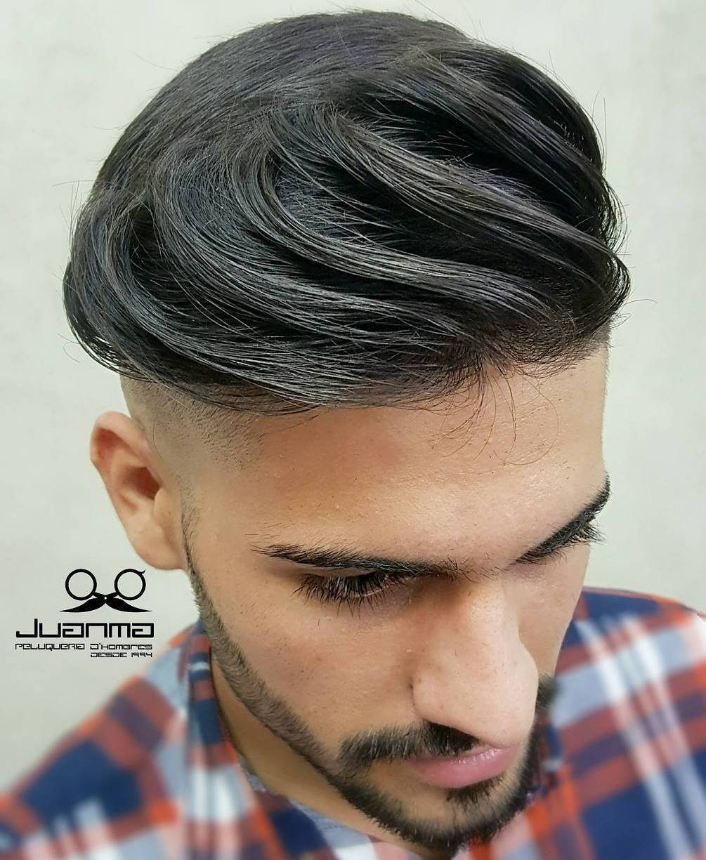 Lång Top Shaved Sides Haircut For Men