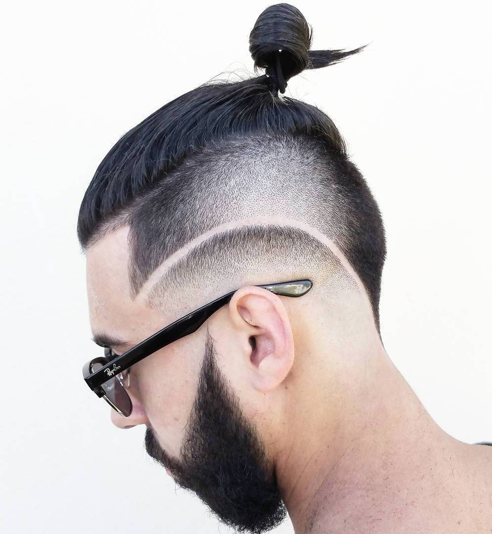 Män Bun With Side And Nape Undercut
