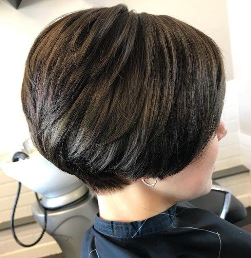 Кратак Stacked Brunette Cut With Layers