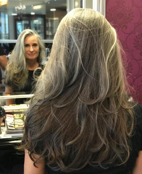 dolga Layered Haircut For Graying Hair