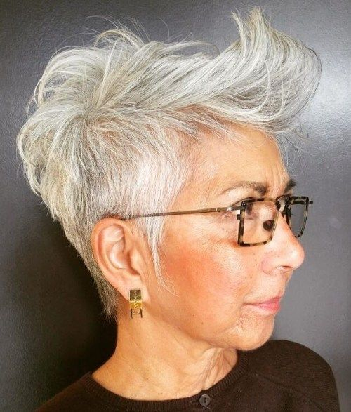 Obrobljeno Gray Pixie Over 50