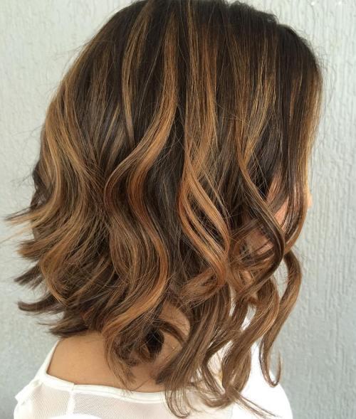 brunett sprutande