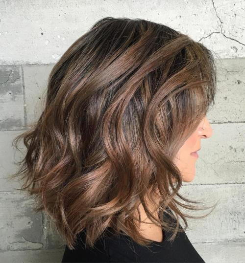 Srednje Wavy Hairstyle For Thick Hair