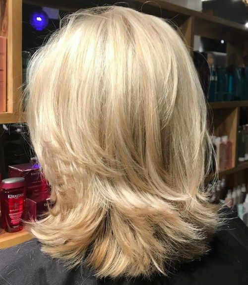 Axellängd Blonde Layered Cut