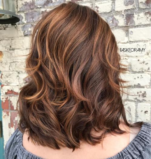 Choklad Hairstyle With Caramel Highlights