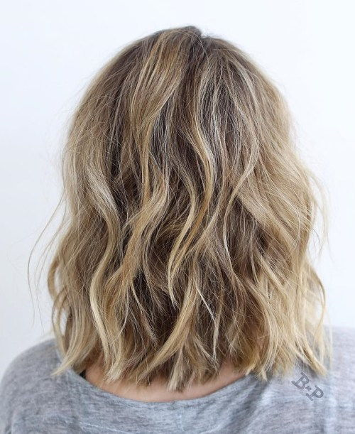 Vågig Choppy Blonde Balayage Lob