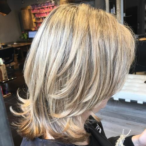 Två-Tier Medium Layered Cut