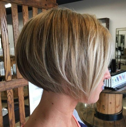 Mic de statura Rounded Layered Bob