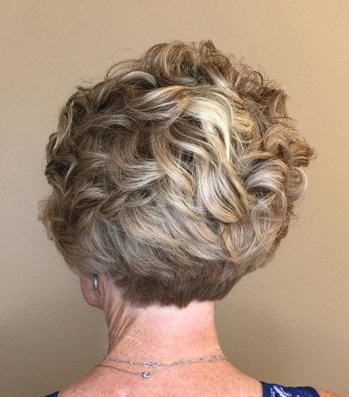 Več Curly Pixie With Stacked Nape