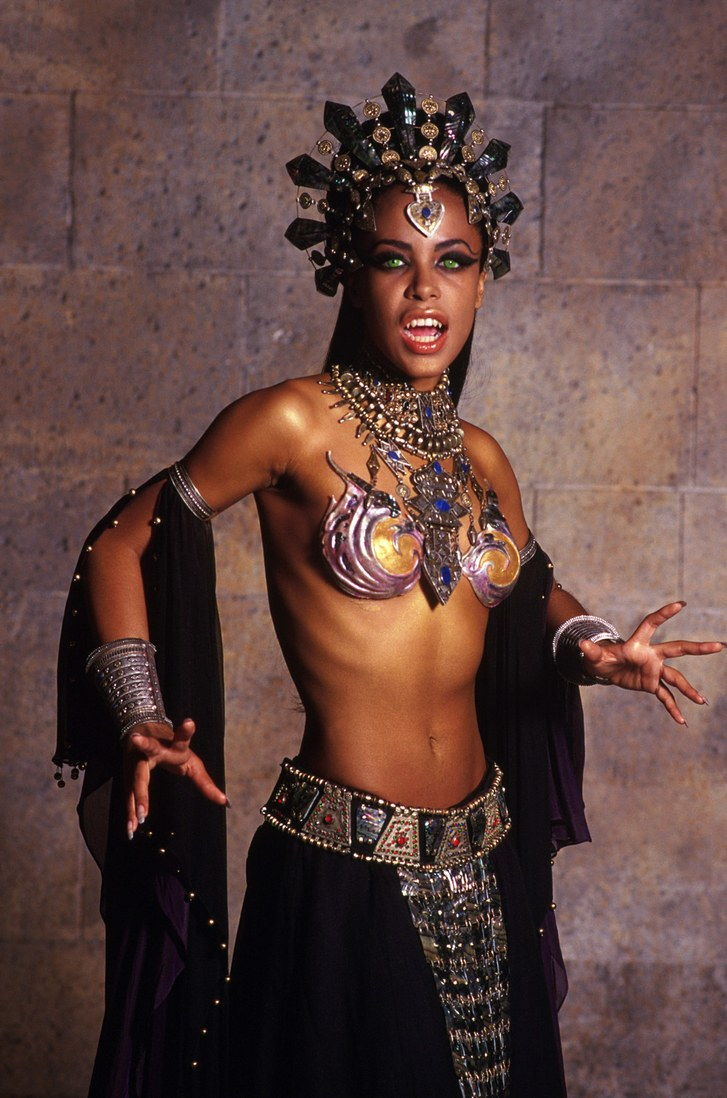 QUEEN OF THE DAMNED, Aaliyah, 2002 (c) Warner Brothers. Courtesy Everett Collection.