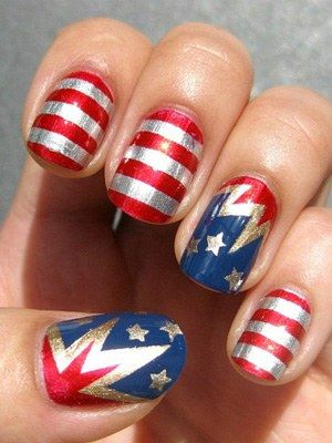 cui Side's fourth of july nail art