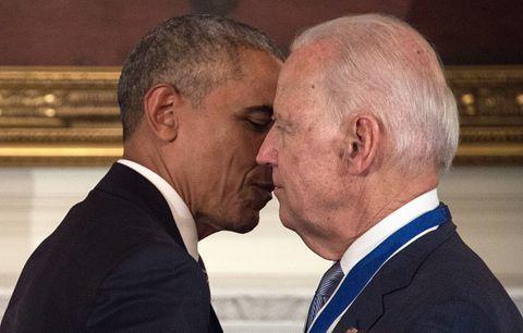 996c0d8828ee Твиттер Реакције на Обама изненађујуће Бајден са председничком ...