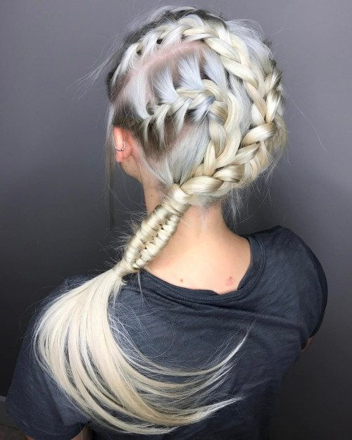 Triplu Side Braid Hairstyle