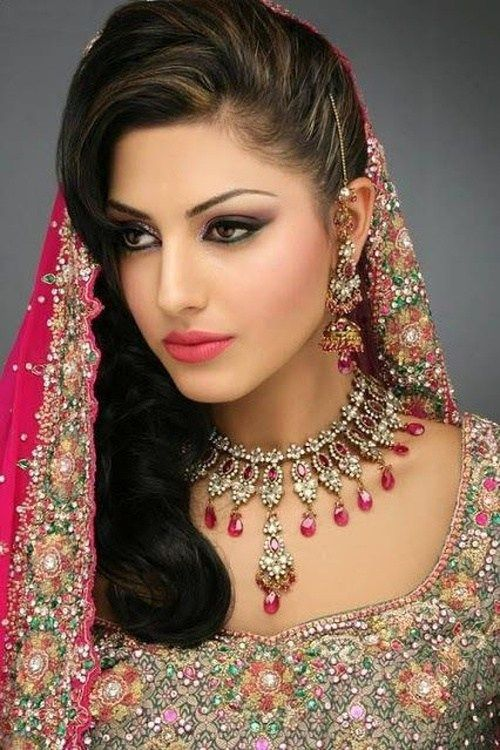 indian wedding hairstyle with a veil