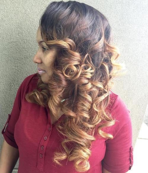 kučeravý Sew In Hairstyle With Ombre